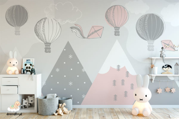 kolorowe balony unoszą się nad górami – fototapeta dla dzieci